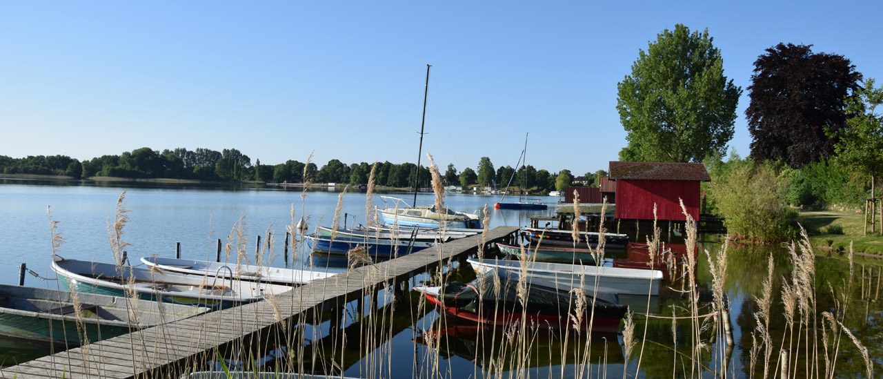 Schaalsee mit Blick auf den Bootssteg